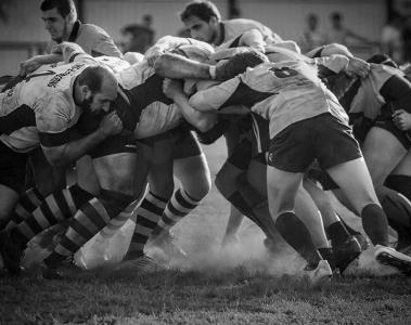 mens rugby scrum